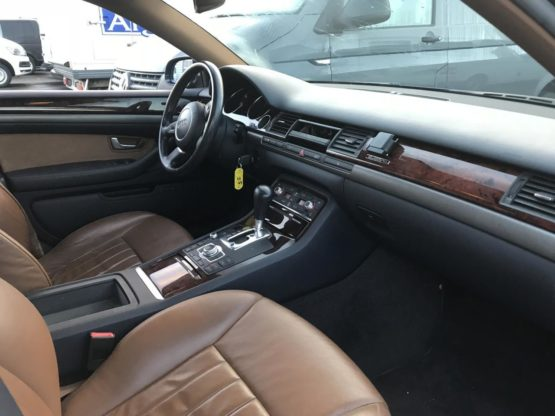 AUDI A8 3.0 V6 TDI AVUS QUATTRO TIPTRONIC A